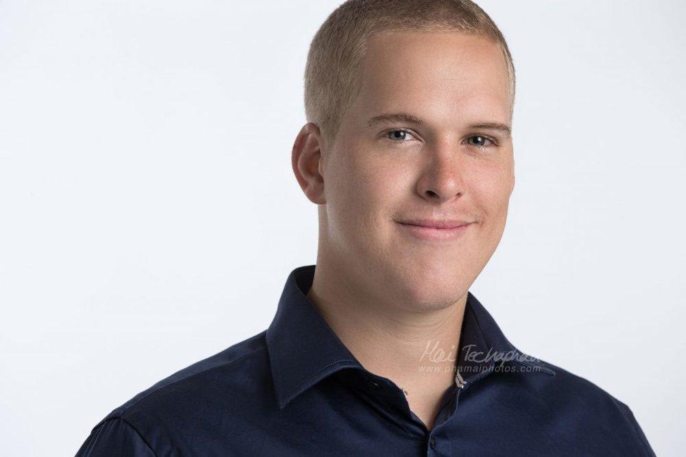 Sean-Portrait-Headshot-5.jpg