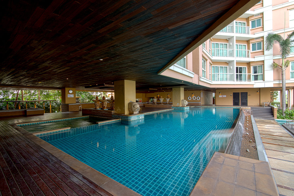 Narathiwas-Hotel-Real-Estate-18.jpg