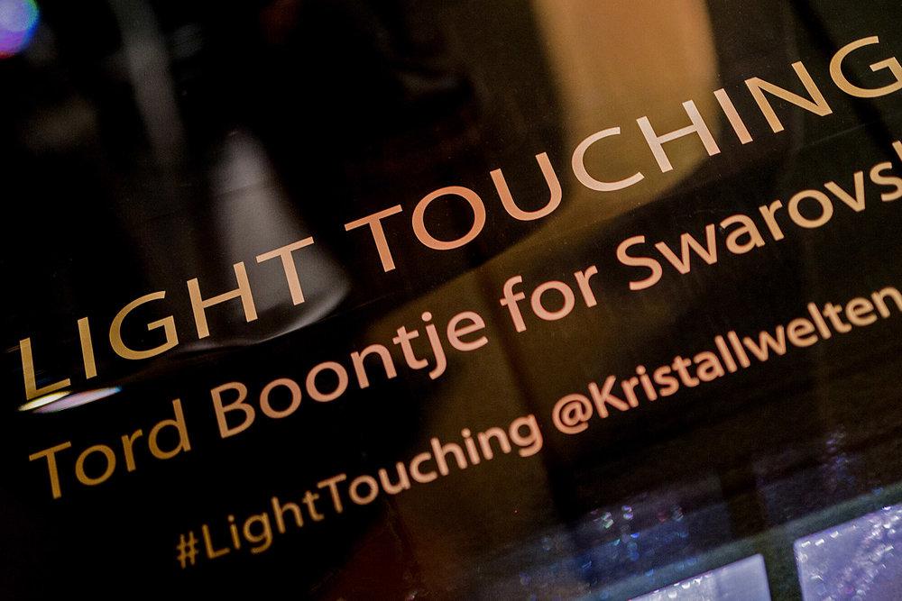 Light_Touching_05.jpg