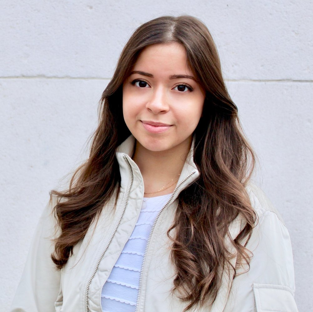 Helena Palmieri - Masters StudentA New York native, Helena Palmieri, is a recent graduate of New York University with a B.A. in Psychology and minors in Art History and Linguistics. She is working towards a master's in Psychology, specifically focusing on Cognitive Psychology. During her time at NYU, she has worked closely with the Curtis Lab, which has supported her interests in attention and working memory prioritization.[CV]