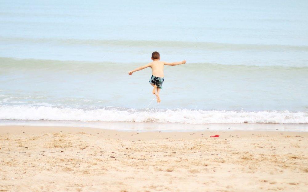 Bennett jumping wave.jpg