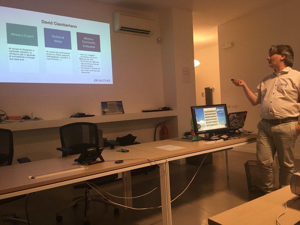 David Ciamberlano  is talking about Dockerizing Alfresco   Photo by Francesco Corti