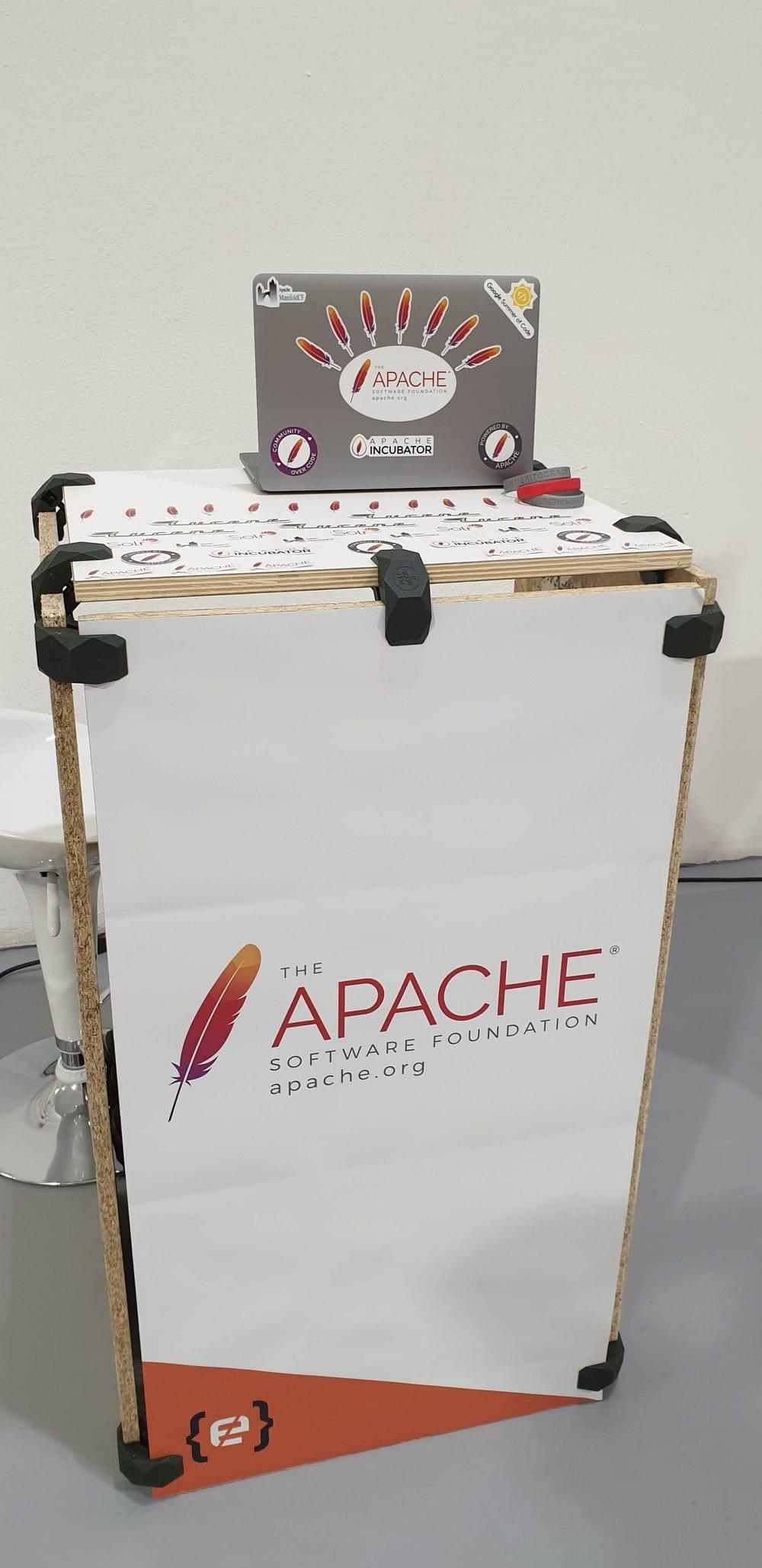 ASF booth / Minidesk at Codemotion Milan 2018