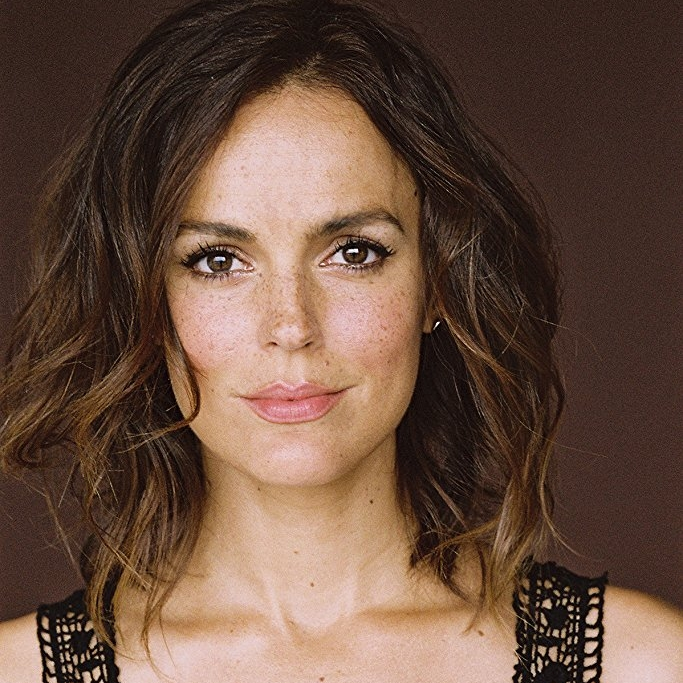 Erin Cahill    as Michelle
