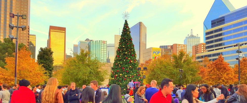 Klyde Warren Park Christmas Celebration draws big crowds