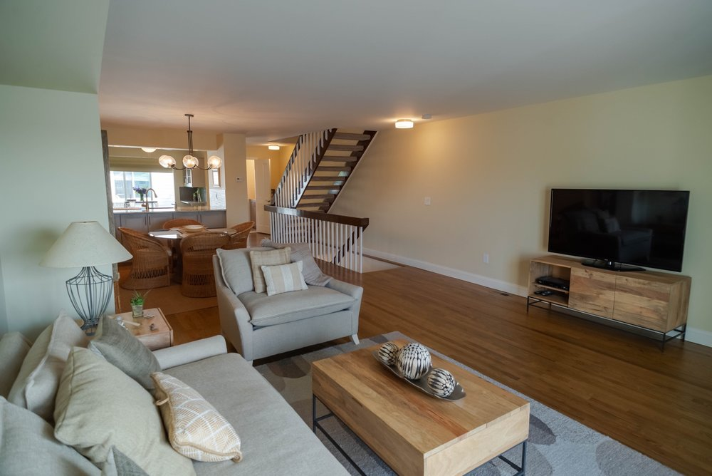 tommy tvrdik - 165 Riddle Ave #6 - Interior and Non-Drone Exterior-11.jpg