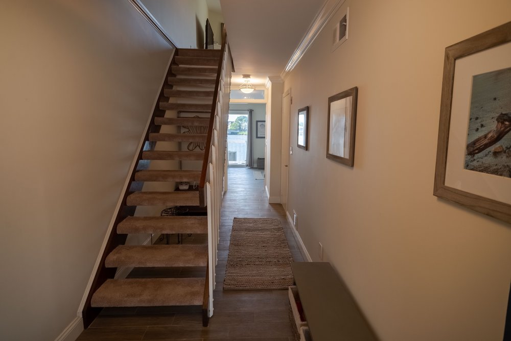 tommy tvrdik - 165 Riddle Ave #6 - Interior and Non-Drone Exterior-15.jpg