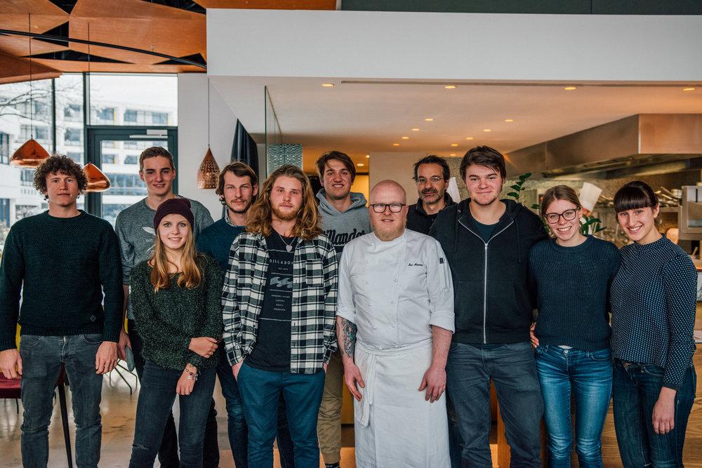 Because we are Friends Team mit Ivo von brix.01