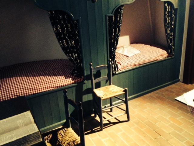 necessary yourself Hebbel 19th century beds consumption value Wert Notwendigkeiten Konsum