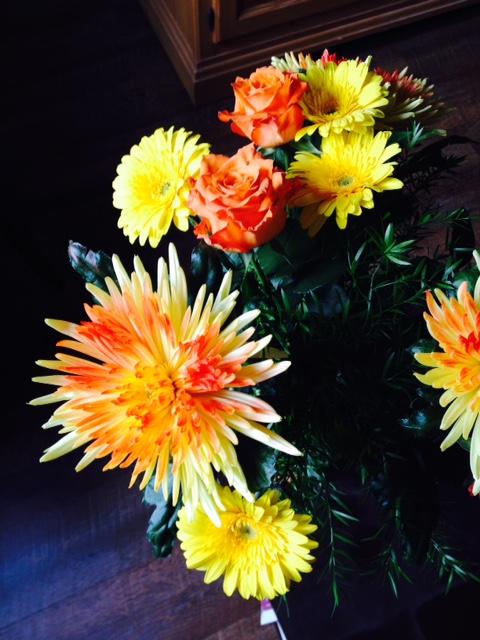 flowers-instagram-inspiration-yellow-blogger-identity.jpg