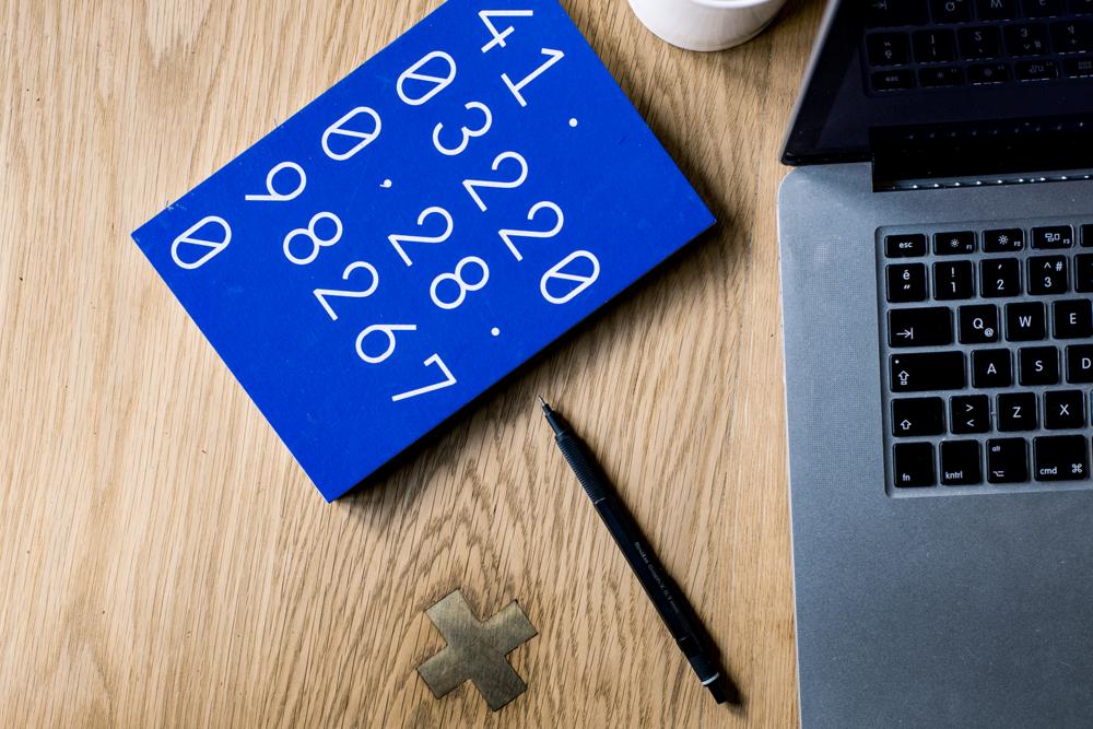 Calculator-Rechner-Taschenrechner-Haushaltsbuch-Finanzen-rechnen-calculating