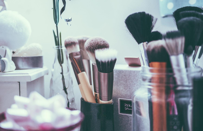 Make Up Pinsel Erfolgreich Mit Hausmitteln Reinigen A Polished Profile