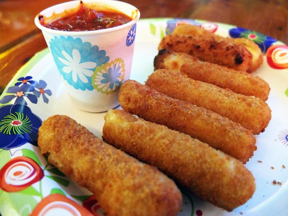 Mozzarella-sticks.jpg