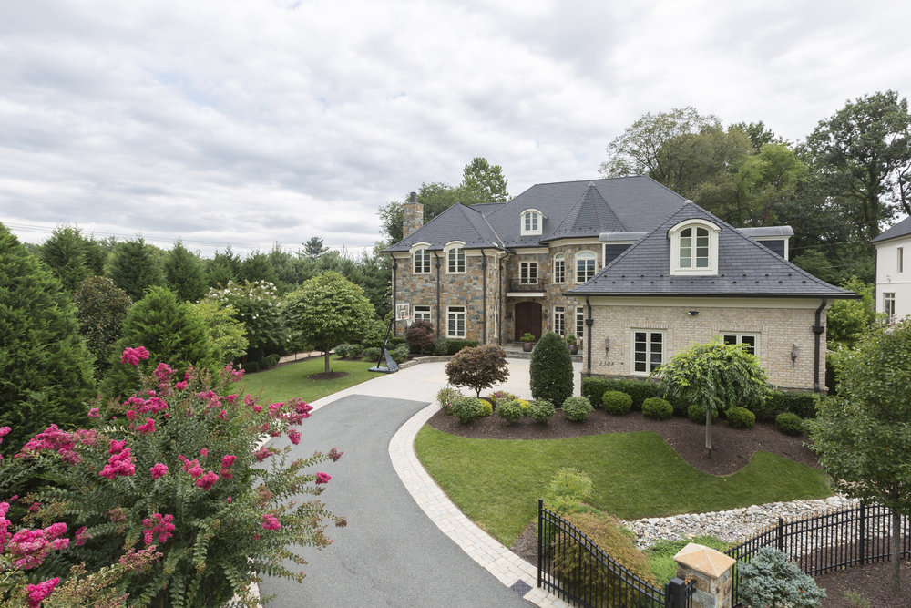 SOLD  ·  1303 Kirby Road, Mclean VA  ·  5 BD | 6 FB | 2 HB | $2,450,000
