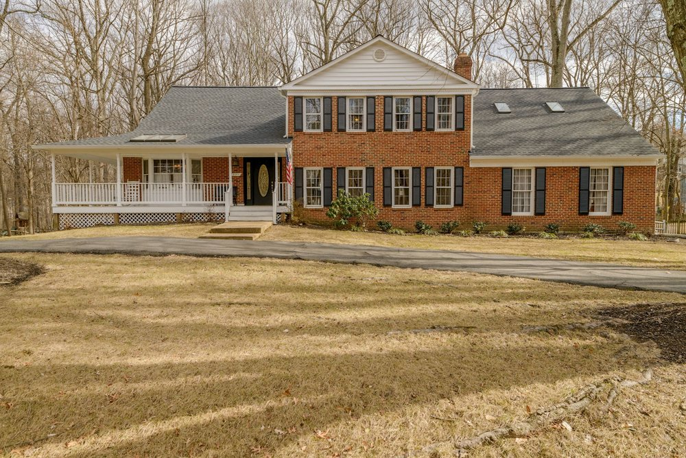SOLD ·  3311 Miller Heights Road · Oakton VA · 4 BD | 3.5 BA | $890,000