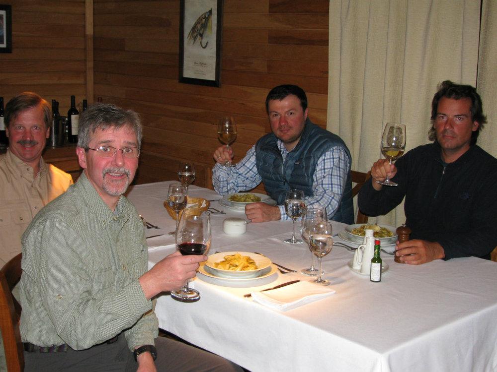 argentina_group_dinner.jpg