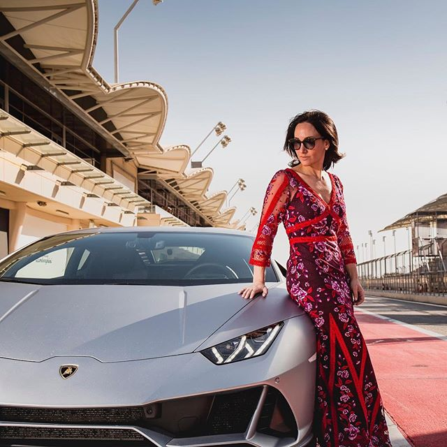 On this Valentine's Day, get yourself someone who looks at you the way I look at this @Lamborghini Huracan Evo. . . . . #lamborghini #bahrain #newmexico #valentinesday #supercar #exotic #luxury #travel #car #cars #supercars #carporn #ferrari #valentine #fashion #fashionblogger #carsofinstagram #ootd #fastcar #dreamcar #exoticcars #cargram #caroftheday #drivetribe #carswithoutlimits #marchesa #love #evo #huracanevo #huracan