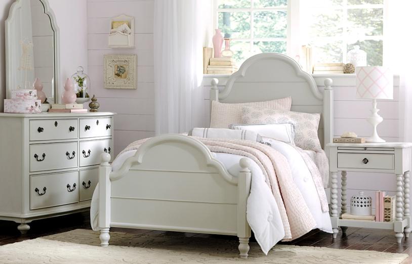 4 Piece Westport Low Poster Bedroom Set — Miller\'s Home Furnishings