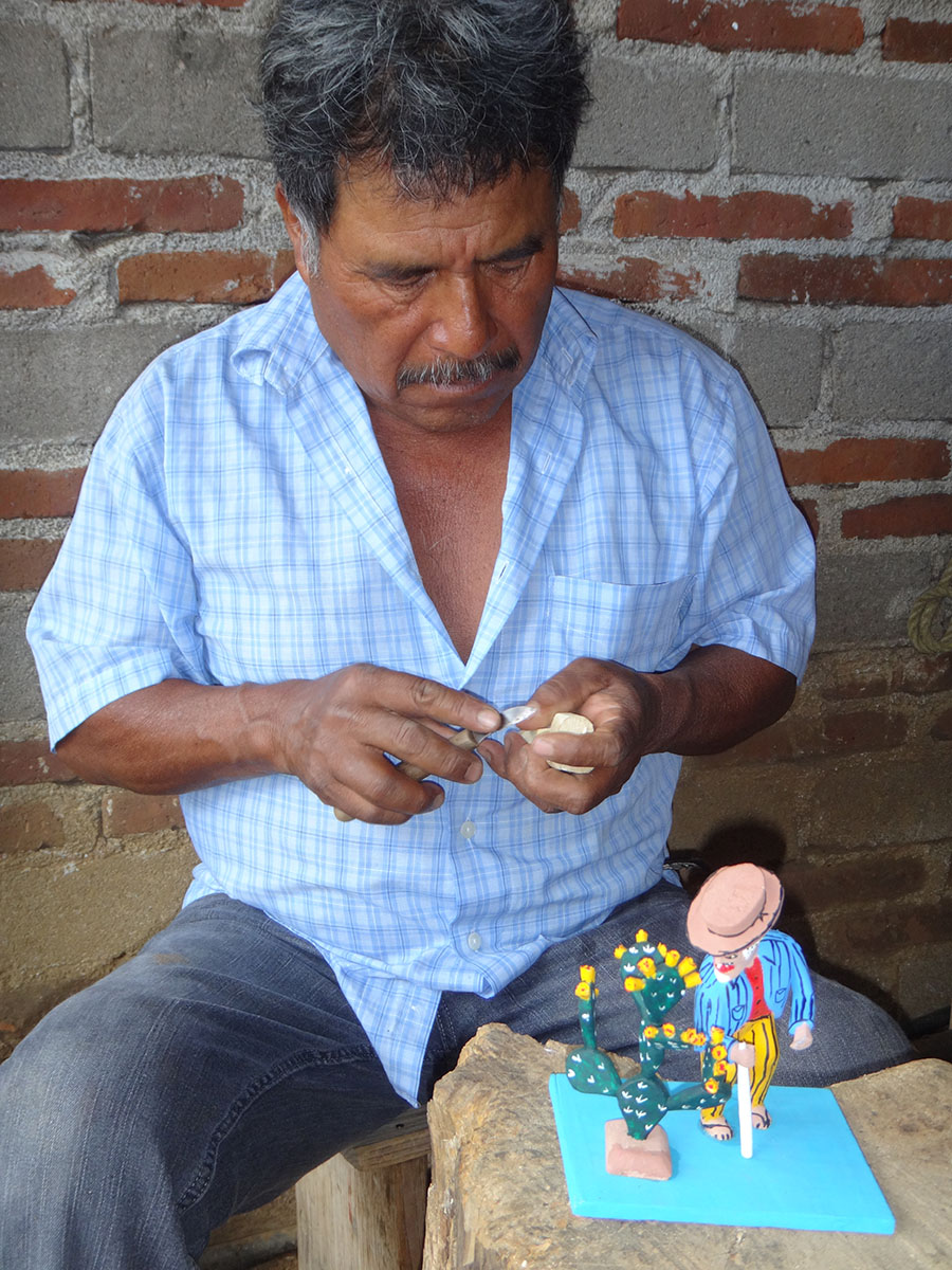 Friends of Oaxacan Folk Art — Woodcarving #21.JPG