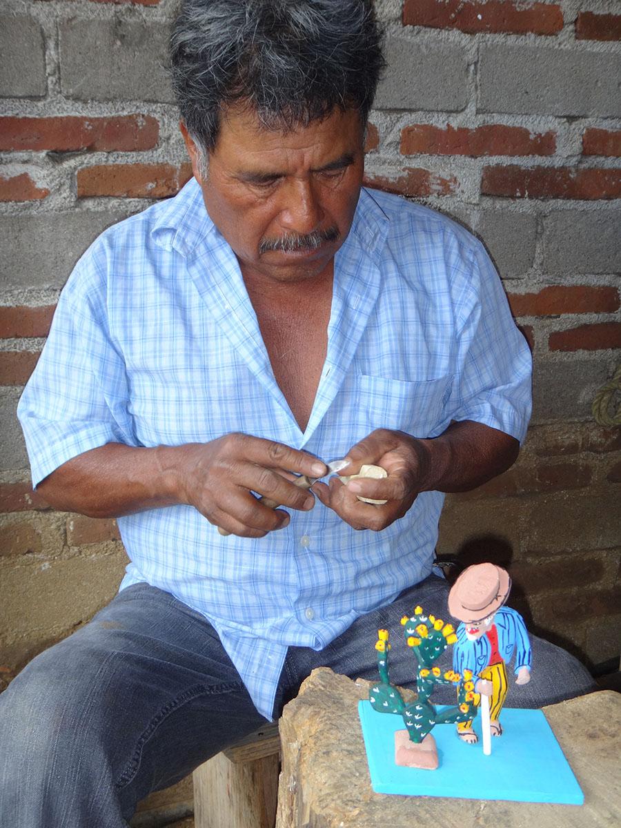 Friends of Oaxacan Folk Art — Woodcarving #21.JPG