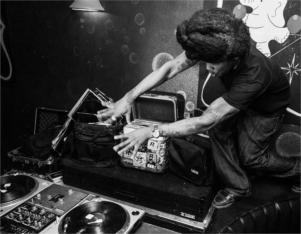 DJ Grandmasta Rats, Bar Pink