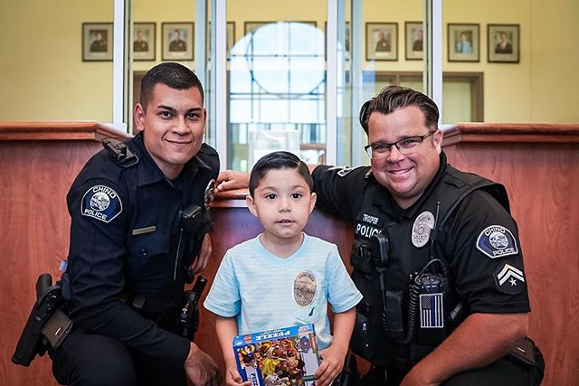 We had a special visitor yesterday. This little guy had been asking to meet some of our Officers, and on his birthday his wish came true! Happy birthday, Emmanuel! 🎉🎈