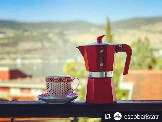 Oggi sole! Happy sunshine! ☀☀☀🔆🔆🔆☕☕☕ #buongiornocosi #buongiorno #goodmorning #morninghappiness #morningcoffee #coffeegram #instacoffee #cafe #caffettiera #caffé #moka #mokapedrini #mokapot #coffeepot #mokared #happyday  #happy #red #sky #coffecup #coffeeandseasons #Repost @escobaristatr