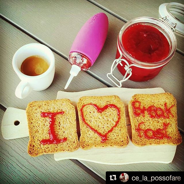 We ♥ breakfast too Lucia! @ce_la_possofare  #ilovebreakfast #buongiornocosi #buongiorno #happyday #haveabreak #haveaniceday #pedrini #pennovo #pennovopedrini #decoration #decoratingpen #decoratingideas #jam #pink #pinkpop #coffee #caffè
