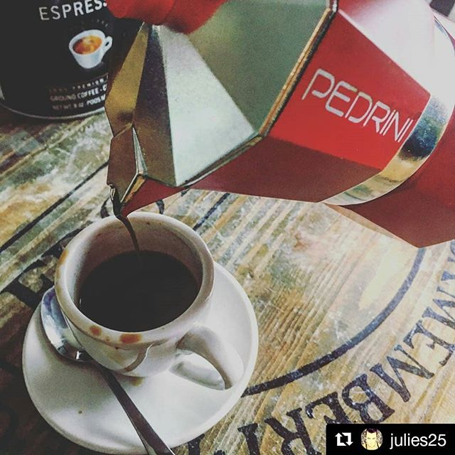 #Repost @julies25 #dimanche #happytime #espresso #café #cafenoisette #pedrini #lavazza #happytime #machiatto #sunday #goodmorning #buongiornocosi #buongiorno #mokapedrini #red #rosso #coffeeaddict #coffeegram #instacoffee #coffeebrewing #coffeebreak #morningcoffee #morninghappiness #morningcharge #colazione #breakfasttime #breakfast