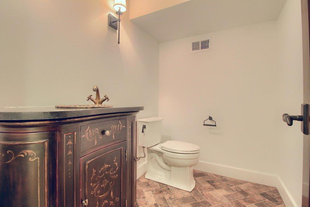 07_Bathroom_IMG_0439.JPG