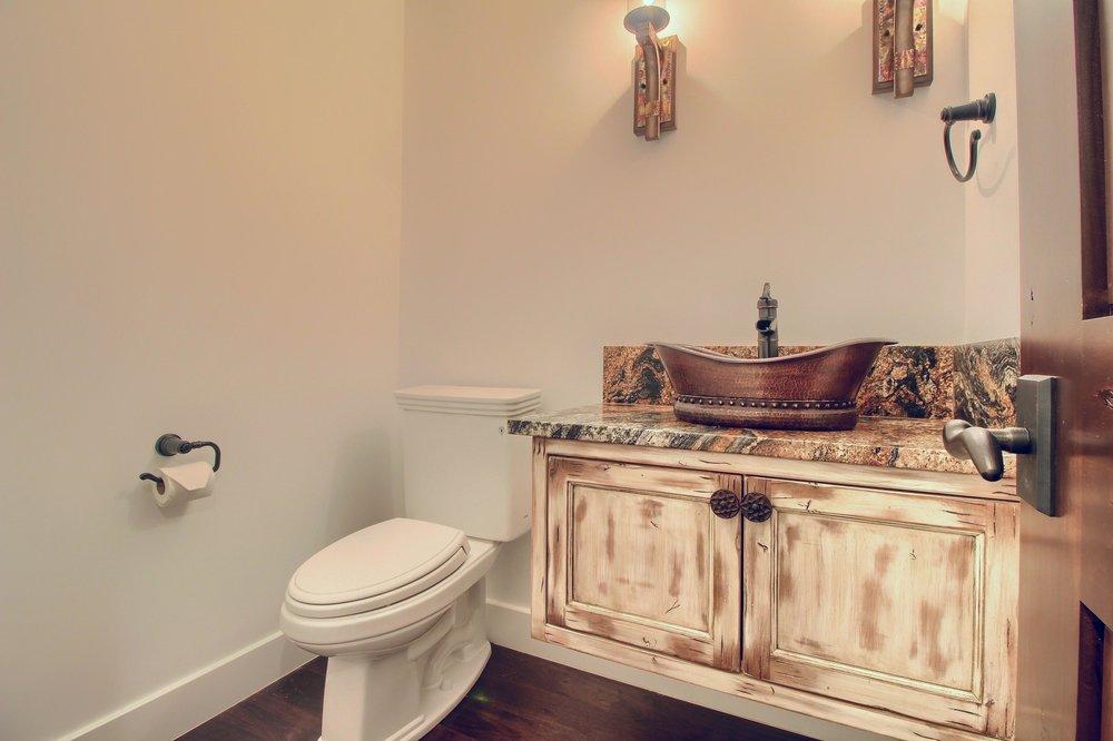 07_Bathroom_IMG_0814.JPG