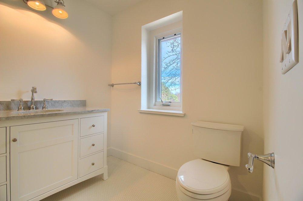 07_Bathroom_IMG_1384.JPG