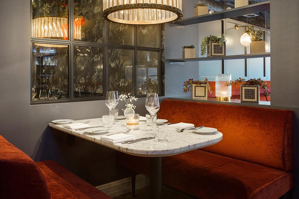 Bygdøy_alle_3_restaurant_dekket_bord_solli