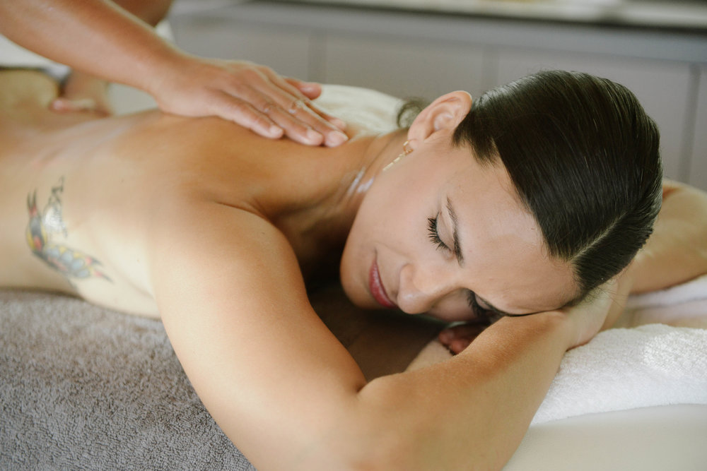 BEAUTY & MASSAGE -