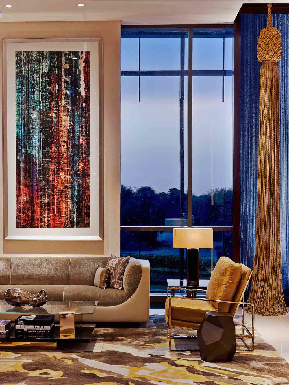 Four-Seasons-DIFC-Dubai-Woven-Metal-Glass-Lamination-Wall-Covering-Hanging-Panels-Sophie-Mallebranche-Paris
