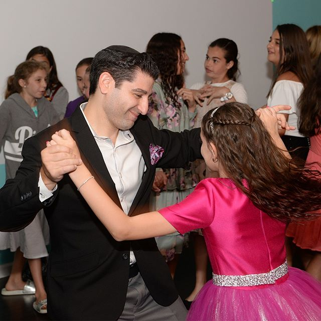 We are a huge fan of candids. Best moments are captured when people are least expect it and this father and daughter dance simply cannot be posed.⠀⠀⠀⠀⠀⠀⠀⠀⠀ ⠀⠀⠀⠀⠀⠀⠀⠀⠀ This is the last image of our #mitzvahmagnets series⠀⠀⠀⠀⠀⠀⠀⠀⠀ We would like to thank @makeittoo for hosting this beautiful mitzvah party and the amazing family for having #memoristic create their #eventmagnets⠀⠀⠀⠀⠀⠀⠀⠀⠀ ⠀⠀⠀⠀⠀⠀⠀⠀⠀ See you at your mitzavh⠀⠀⠀⠀⠀⠀⠀⠀⠀ .⠀⠀⠀⠀⠀⠀⠀⠀⠀ .⠀⠀⠀⠀⠀⠀⠀⠀⠀ .⠀⠀⠀⠀⠀⠀⠀⠀⠀ .⠀⠀⠀⠀⠀⠀⠀⠀⠀ .⠀⠀⠀⠀⠀⠀⠀⠀⠀ .⠀⠀⠀⠀⠀⠀⠀⠀⠀ #Photoboothalternative #magnetphotographer #happinessthatsticks #mitzvahmagnets #batmitzvahphotography #barmitzvahphotography #barmitzvahphotographer #batmitzvahphotographer #mitzvahdj #newyorkbarmitzvahs #westchesterbarmitzvah #mitzvahnyc #mitzvahplanner #batmitzvahpartyfavors  #barmitzvahswag #batmitzvahswag #djentertainment #mazeltov #eventplannernyc #eventplanningnyc #eventplannerlongisland #nyeventplanner #njeventplanner  #eventproductionnyc #yournextevent