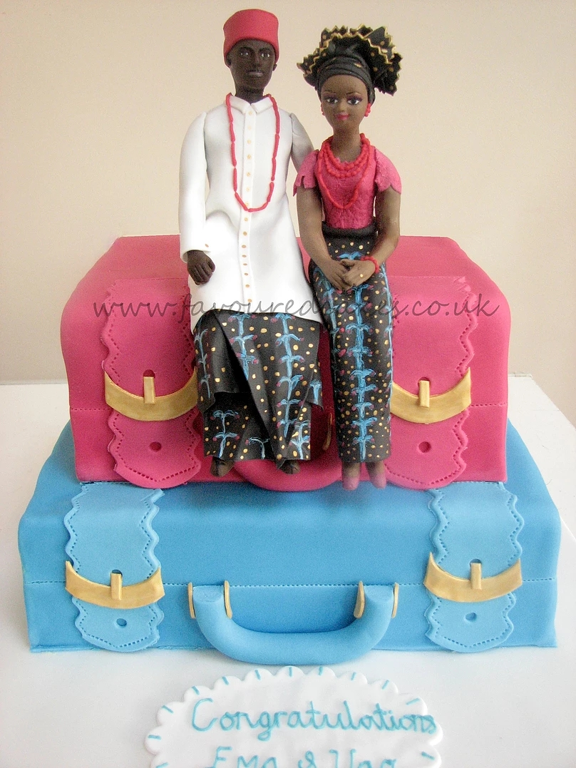 2 Tier Suitcase & Couple Cake SC06