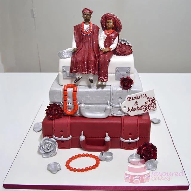 3 Tier Suitcase & Couple Cake Wine SC01