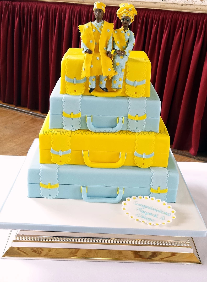 4 Tier Suitcase & Couple Cake SC08