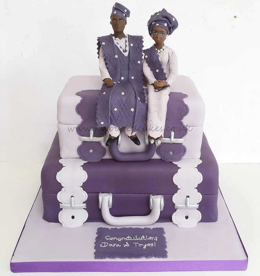 2 Tier Suitcase & Couple Cake SC07