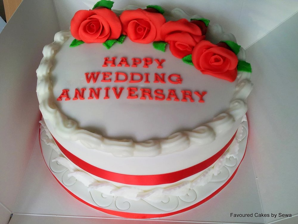 4 Red Roses Wedding Anniversary Cake