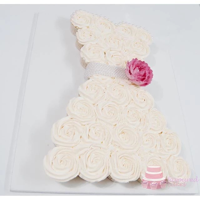 Pull-apart Wedding Dress Cupcakes