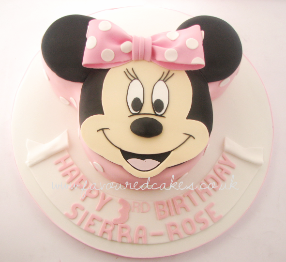 Minnie Mouse Face Cake MM06
