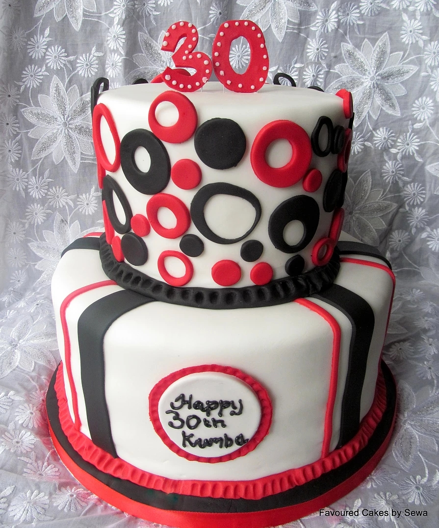 Two Tier Retro Circles Cake