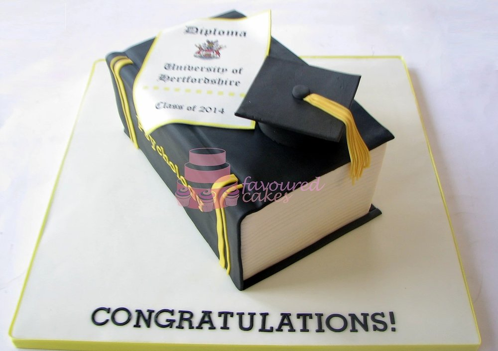 graduation cakes belvedere kent_4.jpg