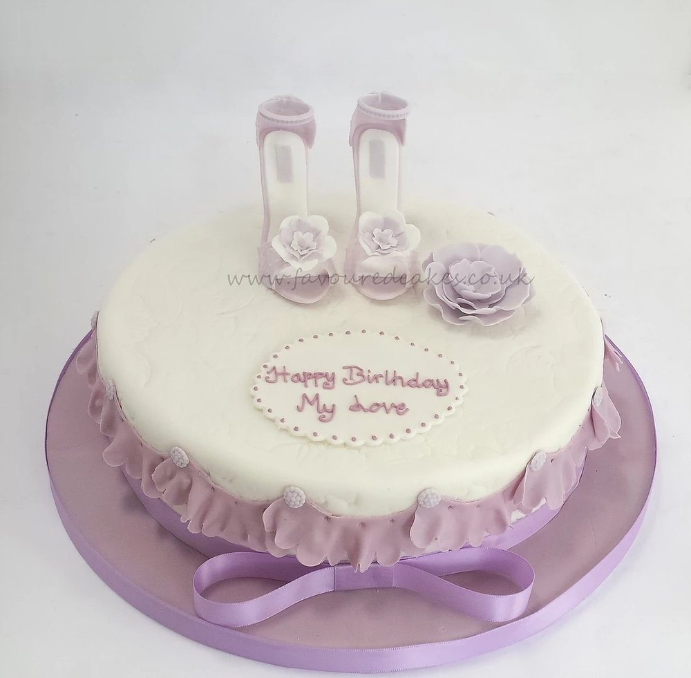 Lilac Mini Shoes Cake Gold Mini Shoes Cake