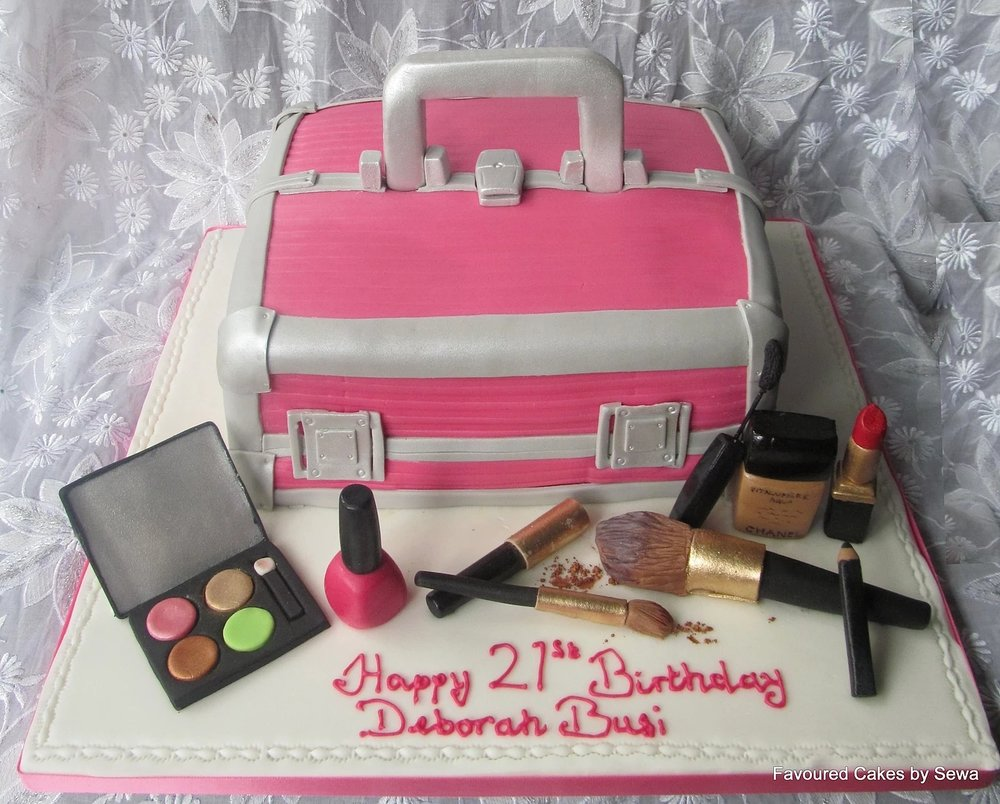 Vanity Make Up Box Cake