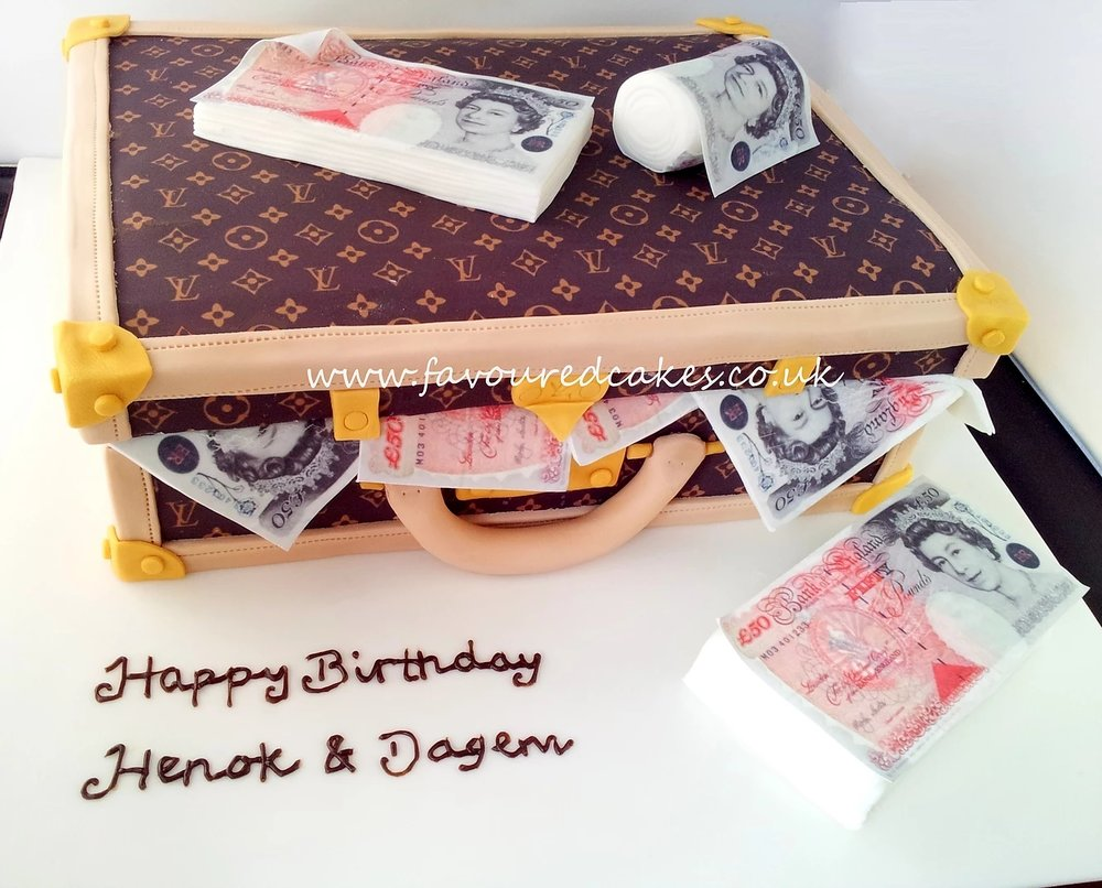 Louis Vuitton Suitcase Cake LV02