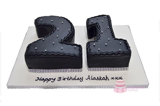 21 Diamante Number Cake