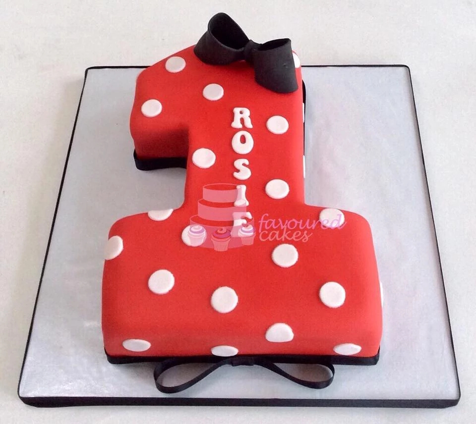 Minnie Mouse Number 1 Cake